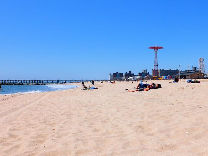 Coney Island in New York - Strand