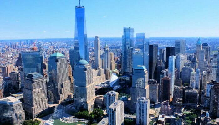 Lower Manhattan en het Financial District in New York - Luchtfoto