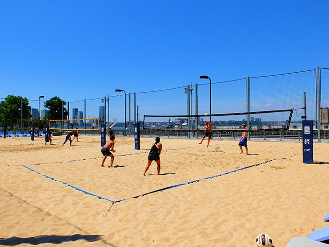TriBeCa in New York - Beach Volleybal