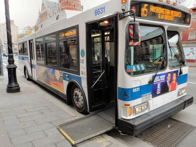 Voorzieningen voor gehandicapten in New York - Bus