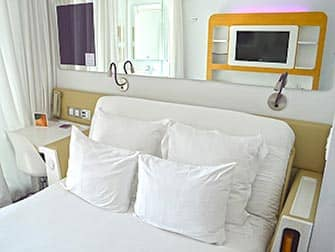 Yotel in New York - Bed