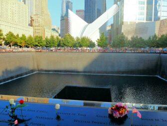 Het 9/11 Memorial-Monument in New York - Rozen