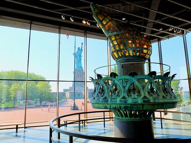 Het Vrijheidsbeeld in New York - De Fakkel
