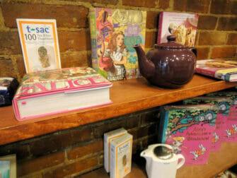 High Tea in New York - Alice's Tea Cup Theepot