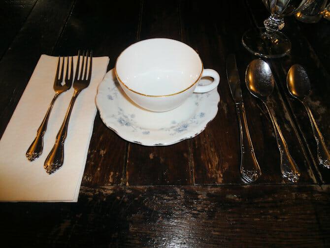 High Tea in New York - Alice's Tea Cup binnen