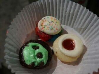 De Beste Cupcakes van New York - Baked by Melissa cupcake box