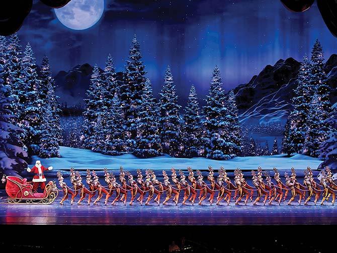 Radio City Christmas Spectacular Tickets - Santa Claus