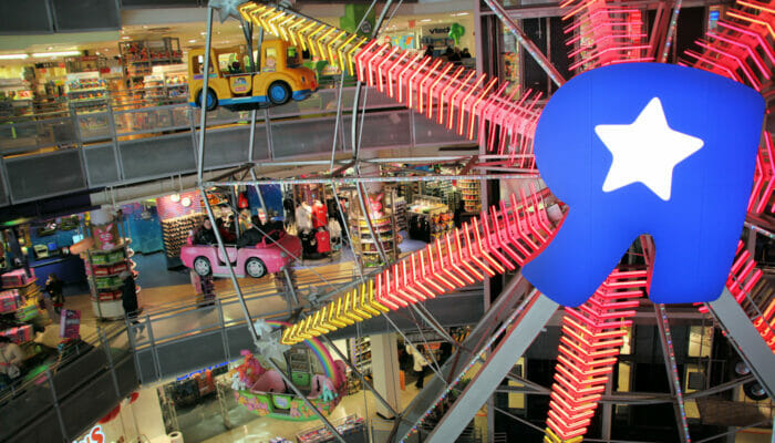 reuzenrad bij toys R us in new york