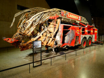 911 Museum in New York - brandweerwagen