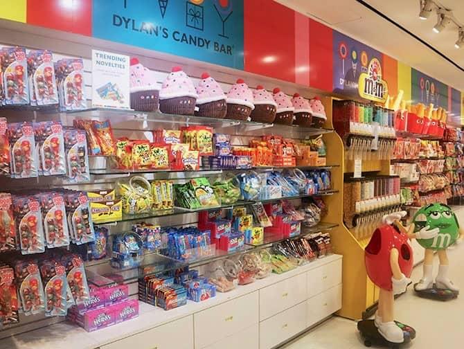 Gossip Girl Tour - Dylan's Candy Bar