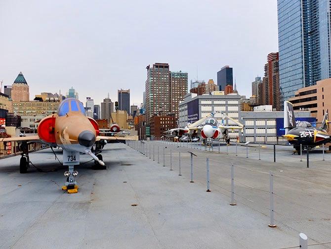 Intrepid Sea, Air and Space Museum in New York - Dek