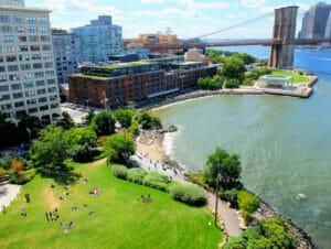 Brooklyn Bridge Park in New York 1
