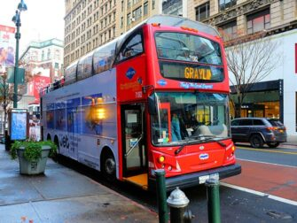 Hop-on Hop-off bus in New York - Gray Line rode bus