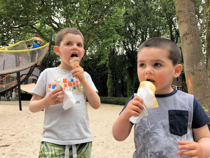 Met kinderen uit eten in New York