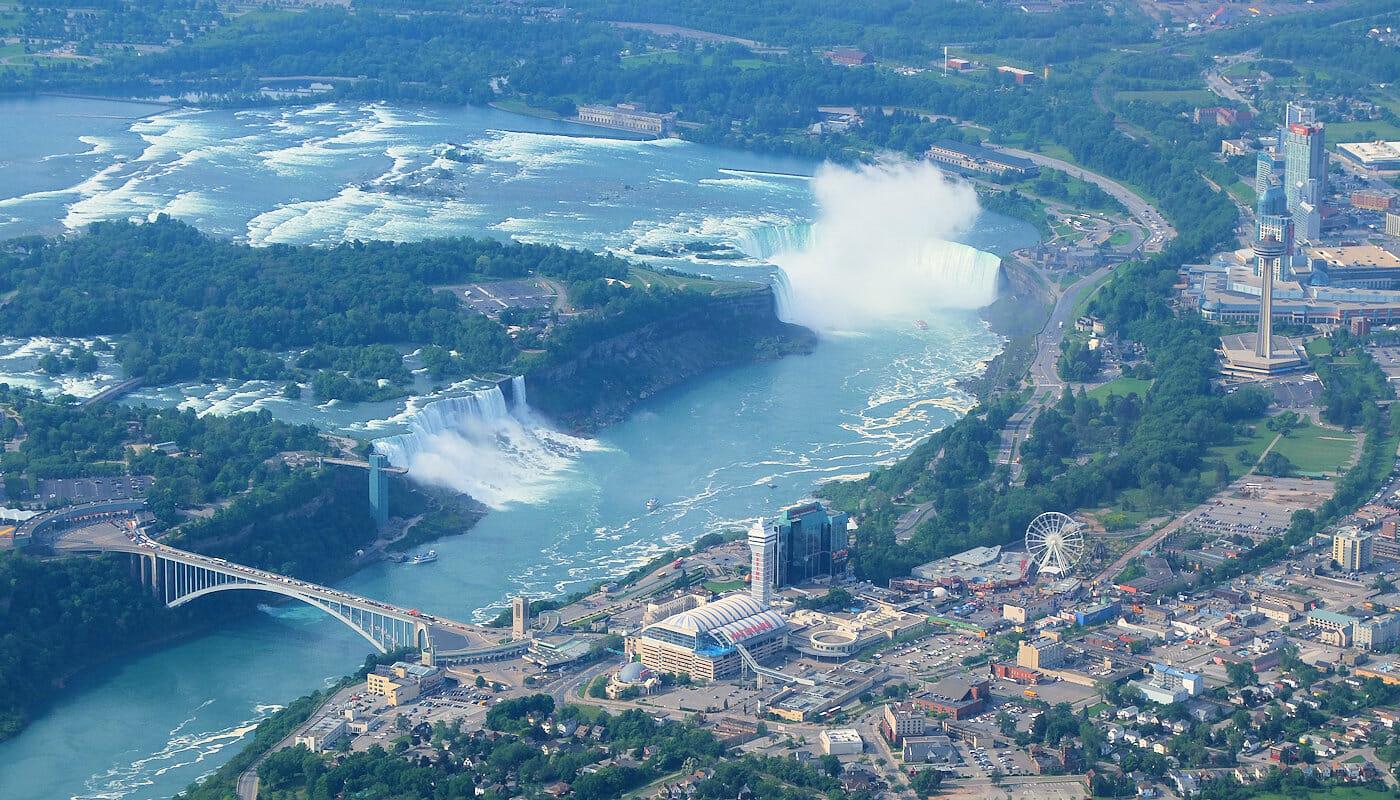 Dagtrip Niagarawatervallen met privévliegtuig - Uitzicht vanuit het vliegtuig