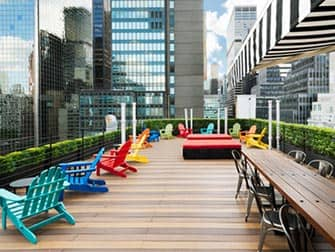 Pod Hotel 51 in New York - Rooftop Bar