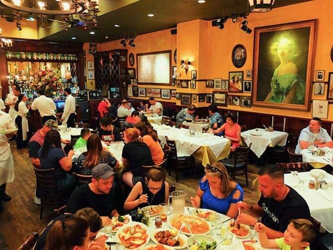 Carmine's Familie Restaurant in New York - Dineren