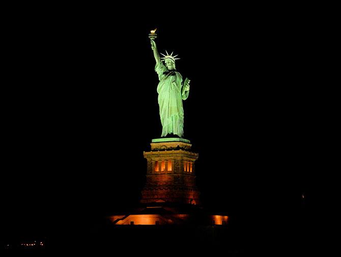 Boottocht met Kerstsfeer in New York - Vrijheidsbeeld