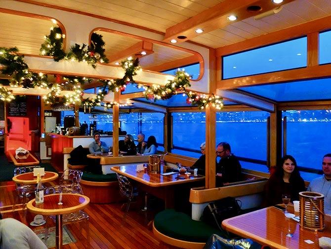 Boottocht met Kerstsfeer in New York - De Boot