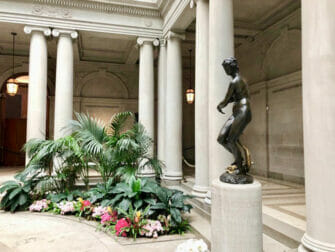 The Frick Collection in New York - Standbeeld