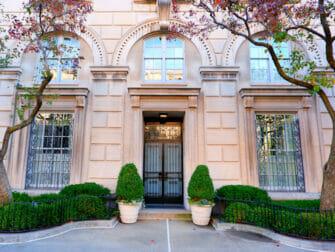 Upper East Side in New York Mansion