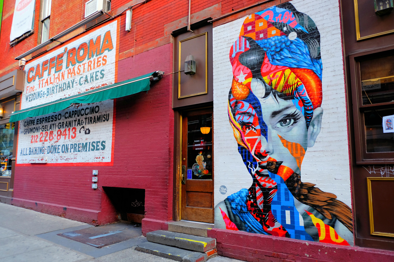 Audrey Hepburn by Tristan Eaton Street Art in New York High Quality Wallpaper