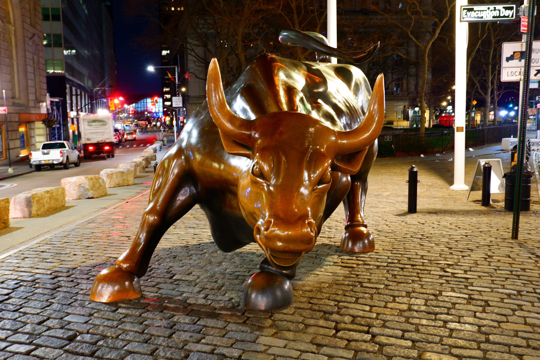 Charging Bull at Night High Quality Wallpaper