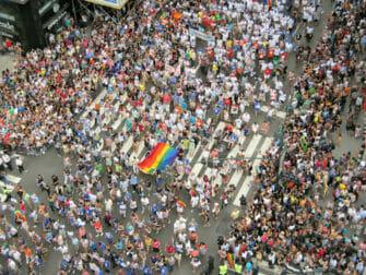 Menigten voor New York Gay Pride
