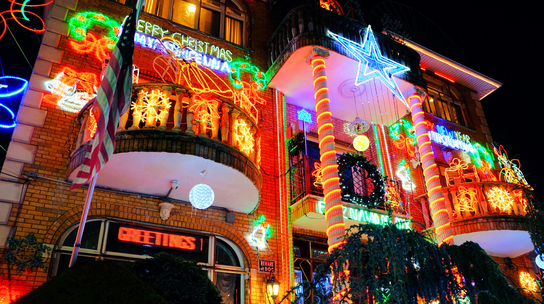 Dyker Heights Christmas Lights High Quality Wallpaper