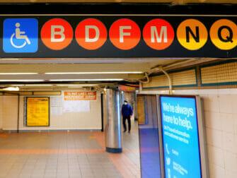 Voorzieningen voor gehandicapten in New York - Metro