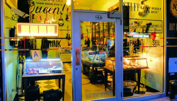 Uitgaan in Uptown of Downtown Beauty Essex