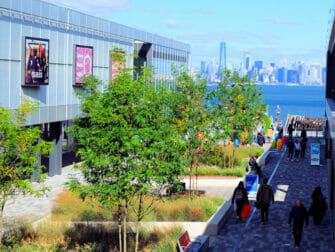 Staten Island in New York - Empire Outlets