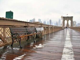 Regen in New York - Brooklyn Bridge