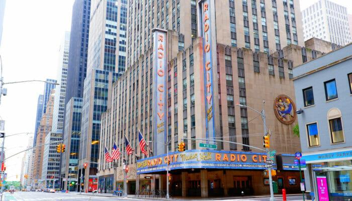 Radio City Music Hall in New York - Locatie Buitenkant