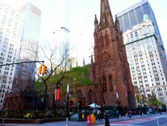 Hamilton Tours in New York - Trinity Church