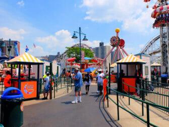 Luna Park in Coney Island Tickets - Plezier