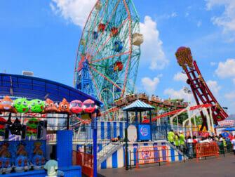 Denos Wonder Wheel Amusement Park in Coney Island - Attracties