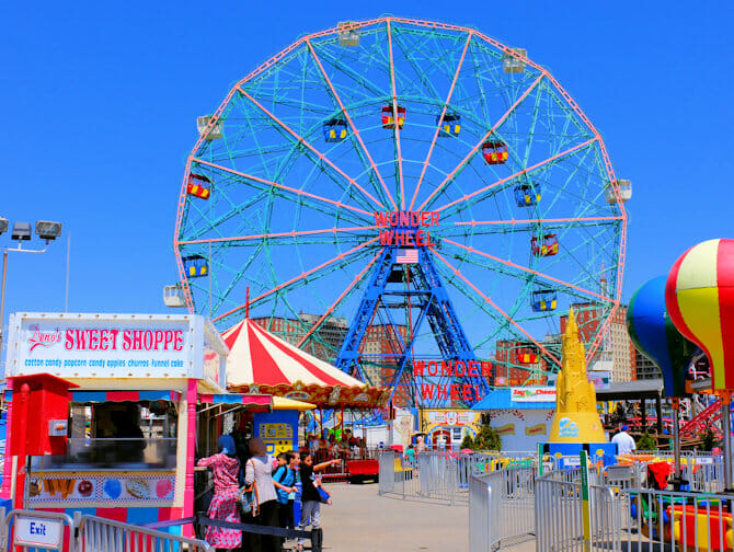 Denos Wonder Wheel Amusement Park in Coney Island - Reuzenrad