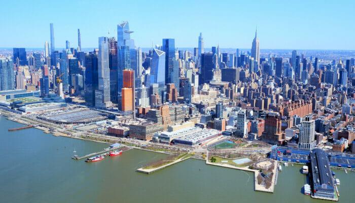 Manhattan in New York Skyline